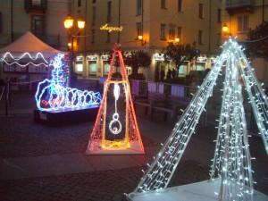 Le luci di Natale artistiche sono la piccola buona idea da seguire anche per tutto il resto: mostrare cose interessanti.