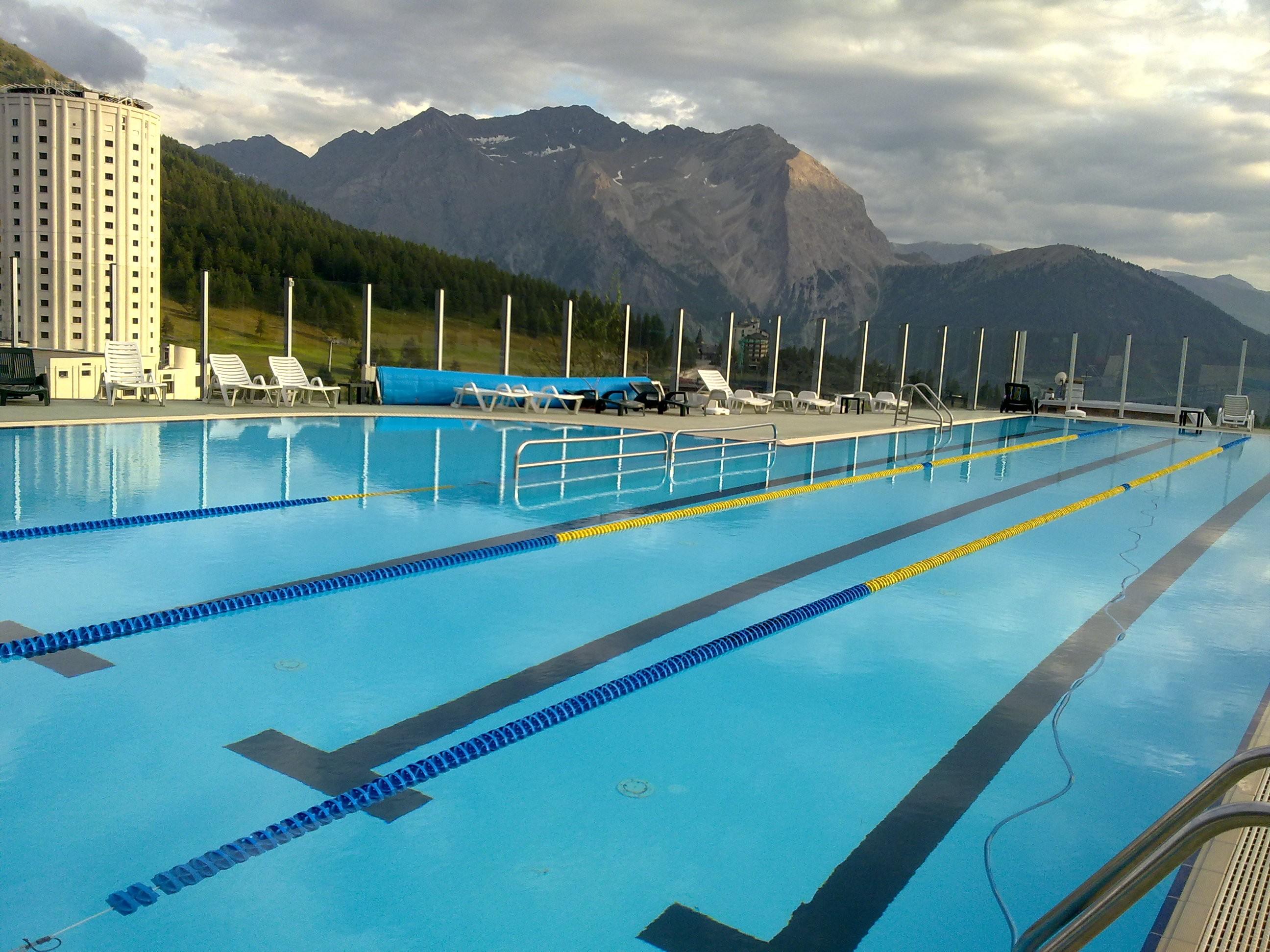Orario estivo per la piscina di sestriere - Immagini di piscina ...