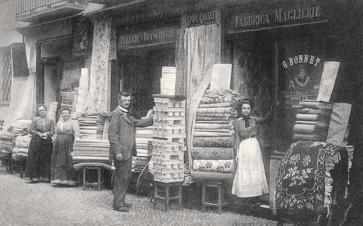 I mercatini dell 39 antiquariato di pinerolo for Calendario mercatini antiquariato